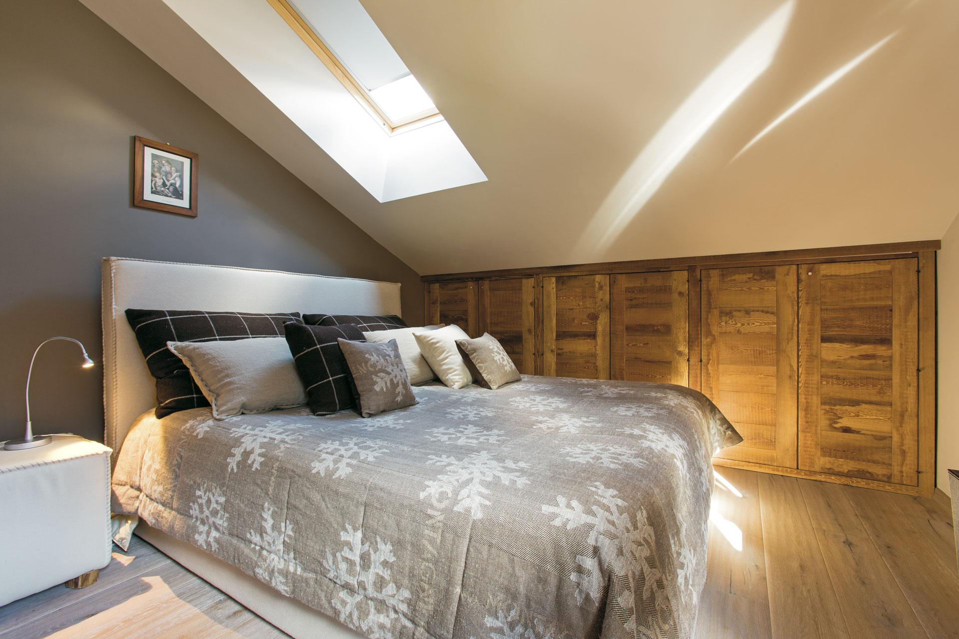 In particolare abbiamo subito amato la tonalità di colore del legno naturale in larice bio che porta quell'atmosfera calda e rilassante che volevamo conferire alla nostra casa